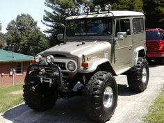 Toyota Land Cruiser had one of these in mine was a 78 mighty just kept going in all situations. Cj Jeep, Jeep 4x4, Jeep Truck, Suv 4x4, Suv Trucks, Toyota Trucks, Toyota Cars, Land Cruiser 4x4, Toyota Fj Cruiser