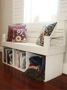 Love this storage chair | Home Decor Park