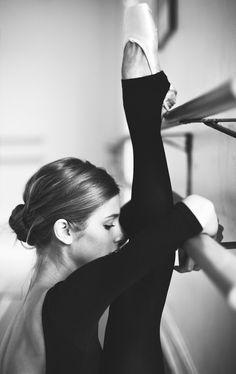 Le chignon... Obligatoire pour toute danseuse qui se respecte