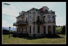 Abandoned Mansions in Indiana | Territorio Abandonado: Mansión Indiana love this house