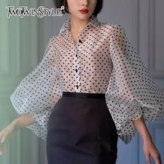 2019 Fashion New Dot Shirt Female Lapel Collar Lantern Sleeve Vintage Blouse For Women Tops 40s Fashion, Fashion Dresses, Vintage Fashion, Fashion Blouses, Female Fashion, Tank Top Outfits, Plus Size Vintage, Vintage Tops, Blouse Vintage