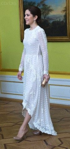 Crown Princess Mary at a dinner hosted by Finnish President Sauli Niinisto and his wife Jenni Haukio at Moltkes Palace in Copenhagen in honor of the Danish Royal family, 5 April 2013.