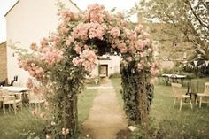 A rustic and friendly wedding venue surrounded by rolling countryside - a visit to Huntstile Organic Farm in Somerset - The Natural Wedding Company Romantic Roses, Beautiful Roses, Farm Wedding, Garden Wedding, Dream Wedding, Rustic Wedding, Jardin Decor, Rose Arbor, Floral Arch