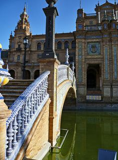 Plaza de Espana, Seville, Spain   Barcelona Airport Private Arrival Transfer Excursions in Barcelona Holidays in Barcelona Sightseeing tours, airport transfers, taxi, interpreter and your personal guide in Bar