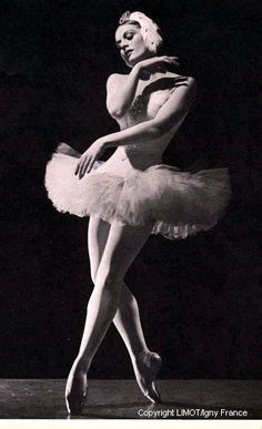 Slavenska became ballerina of the Zagreb Opera (1930-33) and joined the Paris Opera in 1933, dancing with Serge Lifar. In London she danced with Anton Dolin before joining the Ballet Russe de Monte Carlo