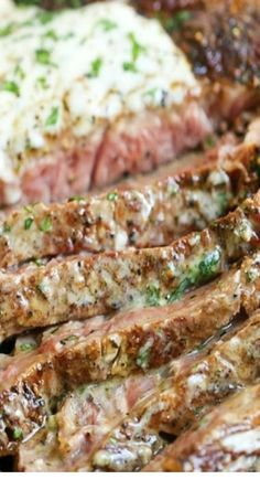 Steak with Parmesan Garlic Cream Sauce. Perfectly tender, juicy steak is served with the most velvety cream sauce that just melts in your mouth! Easy Steak Recipes, Cooking Recipes, Healthy Recipes, Steak Dinner Recipes, Skirt Steak Recipes, Cooking Tips, Chicken Recipes, Dinner Ideas With Steak, Yummy Dinner Recipes