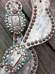 The only reason i would wear spurs are for the spur straps Cowgirl Bling, Cowboy And Cowgirl, Cowgirl Style, Horse Gear, My Horse, Horse Tack, Barrel Racing Horses, Barrel Horse, Western Tack