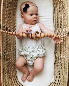 Moses Basket / Stroller/Car Seat Toy Chain by wildcreekco on Etsy Sweet Baby Photos, Pram Toys, Baby Baskets, Baby Bassinet, Moses Basket, Kid Beds, Happy Kids, Baby Accessories, Baby Fever