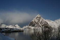 Reine, Lofoten, Norvegia by gillum, via Flickr