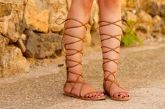 Sandalias romanas gladiadoras de Zara color camel marron clon de Valentino