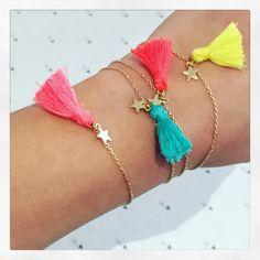 pompon bracelet
