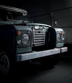 Land Rover (Series & Defenders) and more stuff I like. Land Rover 88, Land Rover Series 3, Lander Rover, Land Defender, Off Road Adventure, Adventure Awaits, Gt500, Cool Cars, Cool Photos