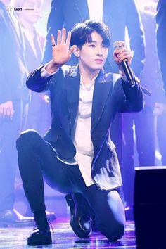 Member of boy band Seventeen attends the 'DYNAFIT x Seventeen' collaboration photocall on October 2017 in Seoul, South Korea. (Photo by Han Myung-Gu/WireImage) Woozi, Jeonghan, Hip Hop, Won Woo, Adore U, Seventeen Wonwoo, Meanie, Best Rapper, Korean Star