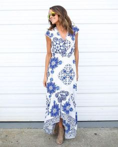 We want to get away to the tropical islands of Greece and what better dress to pack than the stunning Santorini Maxi Dress! A gorgeous cobalt blue and white high-low maxi dress with a perfect fit! Stitch Fix Maxi, Stitch Fit, Stitch Fix Outfits, Fashion 2017, Fashion Outfits, Street Fashion, Blue Fashion, Fashion Ideas, Womens Fashion