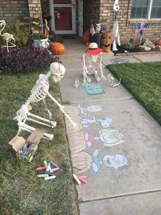Outdoor Halloween, Halloween Porch, Diy Halloween Decorations, Halloween Town, Halloween 2020, Holidays Halloween, Scary Halloween, Halloween Crafts, Happy Halloween