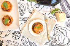 Per una parmigiana light, prepara la ricetta della parmigiana di melanzane al Varoma Bimby. Cotta al vapore, con pomodoro e mozzarella, come l'originale