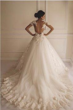 my dream wedding dress, gorgeous detail. Wedding Art, Wedding Styles, Wedding Ideas, Dream Wedding, Wedding Stuff, Pretty Dresses, Beautiful Dresses, Egyptian Wedding, Beautiful Wedding Gowns