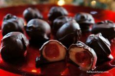 Fun and easy ways to celebrate Holidays and Hobbies everyday Chocolate Covered Cherries, Candy Making, Homemade Chocolate, Candy Recipes, Christmas Candy, Us Foods, Maraschino Cherries, Cherry, Sweets