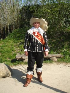 Dutch Mid 17th century costume. Double click on image to ENLARGE. 17th Century Clothing, Renaissance Costume, Modern Warfare, Baroque Fashion, Sport Casual, Western Wear, Civilization, Theater, Legends