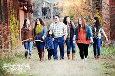 Large family portrait -- fall