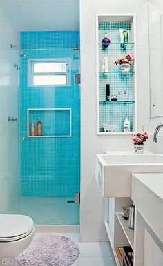 This Is How To Remodel Your Small Bathroom Efficiently, Inexpensively Bathroom Floor Tiles, Bathroom Wall Decor, Bathroom Layout, Bathroom Interior, Shower Tiles, Bathroom Ideas, Tile Floor, Bathroom Makeovers, Bathroom Remodeling