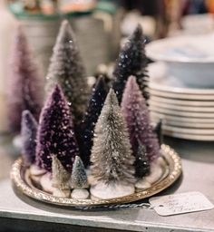 Here's why you need to come to our Christmas market in Kalispell, MT in 2 weeks: - over 100 marvelous vendors to shop - @missmustardseed will be there! - SANTA will be there! - @mumsflowersmt will be selling wreaths & flowers & hosting a make-your-own wreath station! - FOOD TRUCKS - a hot cocoa bar - free kids crafting workshops! - prizes for the first 50 in line - @ilovesaltwash demos all day long!  Make plans to attend now. Early shopping tickets are almost sold out! 11/12 at the…