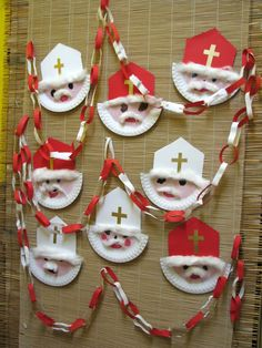 Christmas Door, Christmas Ornaments, St Nicholas Day, Kindergarten, Saint Nicolas, Apollo, Advent Calendar, Holiday Decor, Kids