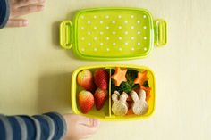 5 Essential Tools for Packing a Week of School Lunches on Sunday — Monday Dinner, Friday Lunch