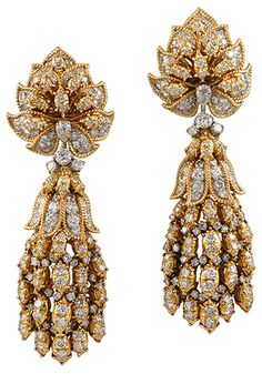 HARRY WINSTON Diamond Earrings - Yafa Jewelry