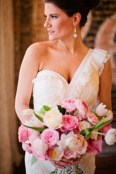 Photography: Jennifer Wilson Photography  Read More: http://www.stylemepretty.com/2014/05/16/texas-winter-glam-wedding/