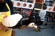 LEGO-portal-gun - Ahhhh! the nerd inside me just died from sheer joy!