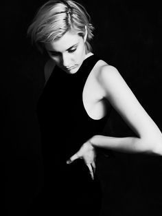 Greta Gerwig, photographed by Steven Pan for Wonderland Magazine, April Celebs, Celebrities, Woman Crush, Female Bodies, Photo S, Beautiful People, Hair Beauty, Handsome, Actresses