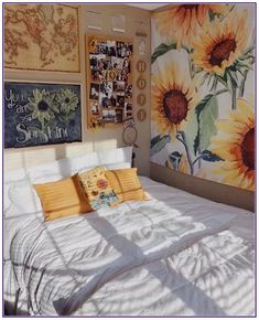 Having a unique dorm room is exciting and excellent.We collected 30 cosy dorm room decor ideas, and these Having a unique dorm room is exciting and excellent.We collected 30 cosy dorm room decor ideas, and these will give you new inspiration. Cool Dorm Rooms, Cute Room Decor, Yellow Room Decor, Yellow Rooms, Wall Decor, Yellow Walls, Aesthetic Room Decor, Minimalist Bedroom, Modern Bedroom