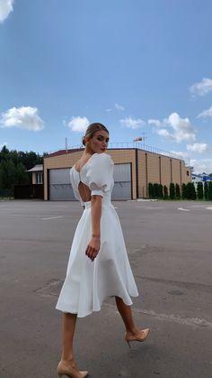 Elegant White Dress, Classy Dress, White Mini Dress, White Formal Dresses, White Dress Casual, Simple Elegant Dresses, White Dress Summer, Pretty Dresses, Beautiful Dresses