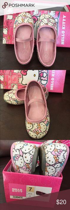 Hello kitty 🐱 shoes Hello Kitty 🐱 shoes Hello Kitty Shoes Dress Shoes