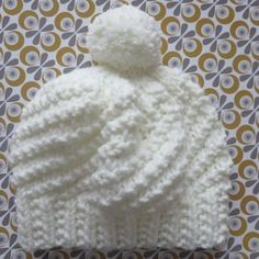 Le bonnet Polar express Bonnet blanc et… Bonnet Crochet, Crochet Baby, Knit Crochet, Knitting Designs, Knitting Patterns, Crochet Patterns, Hat Patterns, Knit Hat Pattern Easy, Knit Beanie