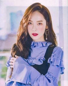 Jessica & Krystal, Krystal Jung, Seohyun, Snsd, Kpop Girl Groups, Kpop Girls, Girls Generation, Korean Girl Band, Jessica Jung Fashion