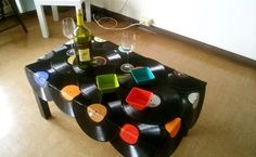 Home Decorating Style 2019 for Amazing Diy Projects Using Vinyl Records, you can see Amazing Diy Projects Using Vinyl Records and more pictures for Home Interior Designing 2019 at Home Us. Vinyl Record Projects, Vinyl Record Art, Vinyl Art, Record Decor, Vinyl Crafts, Diy And Crafts, Records Diy, Record Table, Diy Recycle
