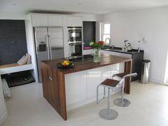 Cozinhas minimalistas por Mohsin Cooper Architects