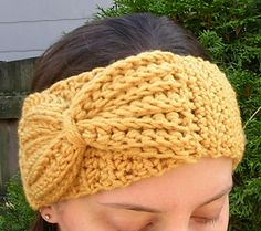 A beginner crochet pattern that can be made in one day with a small amount of yarn. Pattern can be adjusted to fit kids and adults simply by adjusting the length of the band.