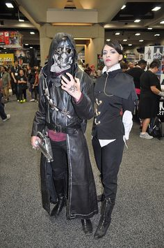 Dishonored. Corvo & Empress Cosplay. That's really cool!