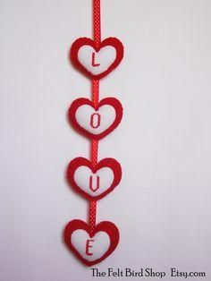 San Valentino. Decorazione in feltro ricamata a di TheFeltBirdShop