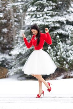 Christmas time in red and a midi tulle skirt <3 - www.pinkpeonies.com