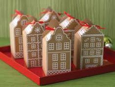 Favor boxes that remind me of Amsterdam. Stroopwafel anyone?