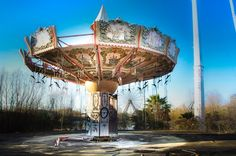 During a 2015 trip to document the tenth anniversary of Hurricane Katrina for The Guardian newspaper, Lawless shot this abandoned theme park, which has been deserted since the storm.