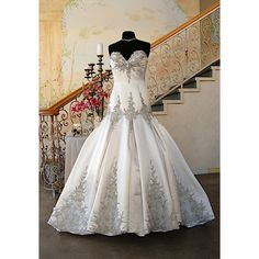 This is my wedding dress, by Stephen Yearick. <3