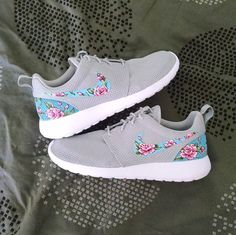 8e3004c02bb Floral Custom Nike Roshe One Grey