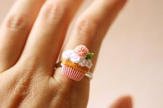 Dollhouse Miniatures, Miniature Food Jewelry, Craft Classes: Food Jewelry - Pink Rose Cupcake Ring