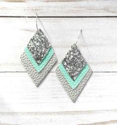 Earrings 183169909830903303 - Faux Leather Earrings – Gray Leather – Glitter Leather – Layered Earrings – Silver Leather Earrings – Mint Green Earrings -Leather Diamond Source by jennlt Diy Leather Earrings, Diy Earrings, Leather Jewelry, Leather Craft, Fabric Earrings, Green Earrings, Girls Earrings, Jewelry Crafts, Handmade Jewelry