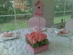 Centro de mesa para o chá de bebê de uma menininha linda!